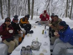 <span>特製ランチを雪景色の中でそとごはん</span>群馬県みなかみ町のアットホームなアウトドアの老舗!